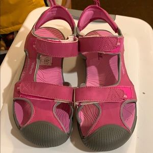 NWT Teva Velcro hiking and water shoes - Big Kid 5